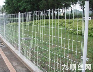 双边丝护栏网4.jpg