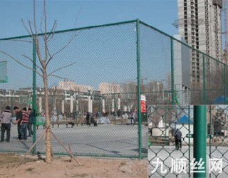 体育场围栏2.jpg