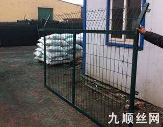 铁路防护栅栏 (1).jpg